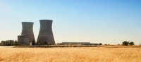 Small-scale nuclear power plant operating